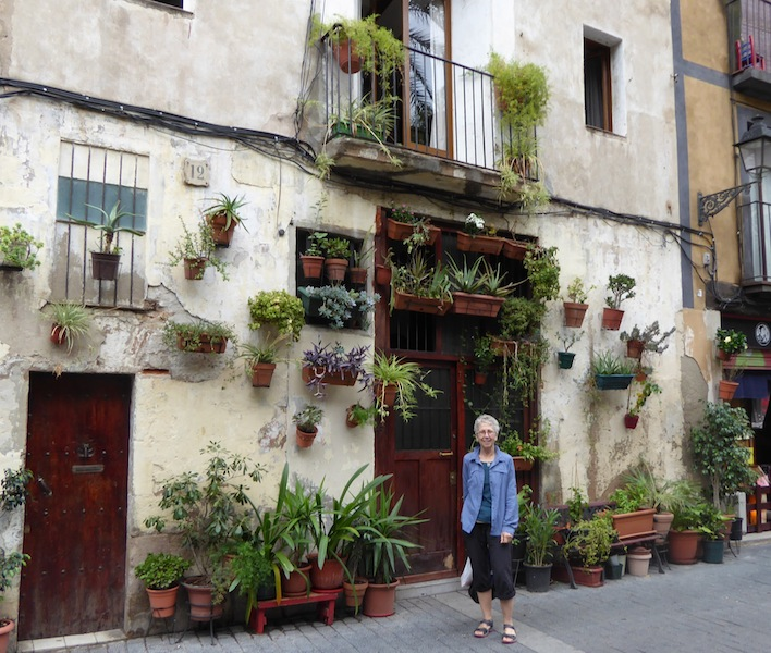 I love the plants on the walls in Barcelona.