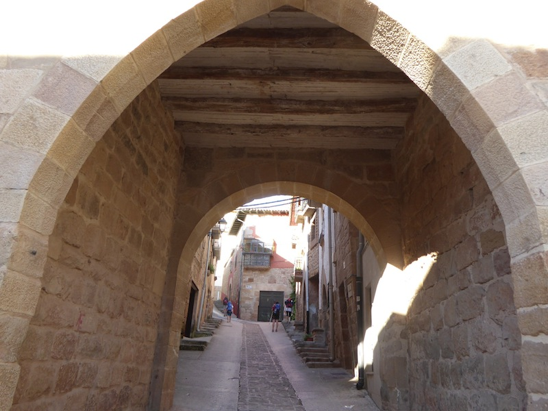 I loved the archways in Cirauqui.