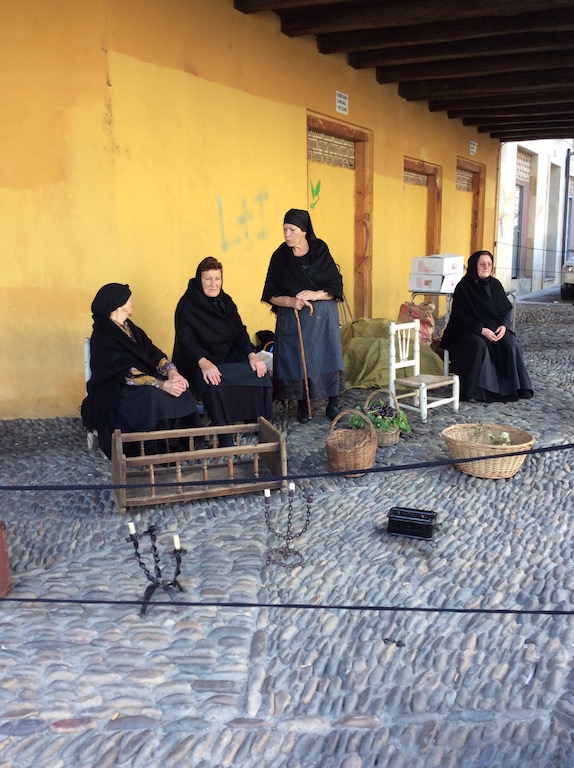 Leon Market - Women