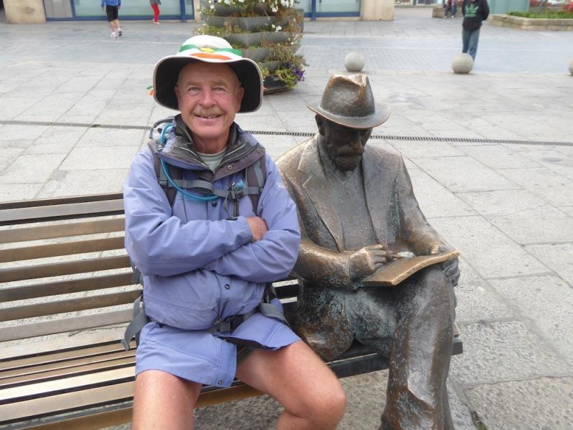Leon Sculpture with David
