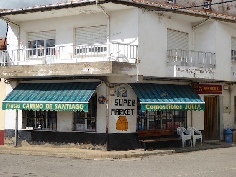 Supermarket in Vilar de Mazarife