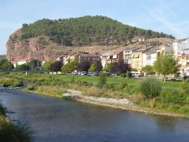 There was a nice view from the bridge in Najera.