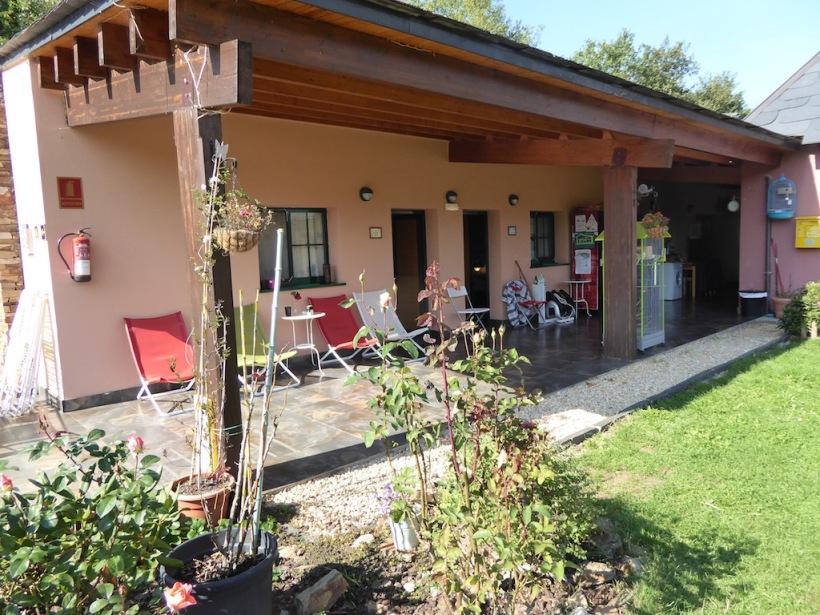 Porch at Paloma y Lena private Albergue