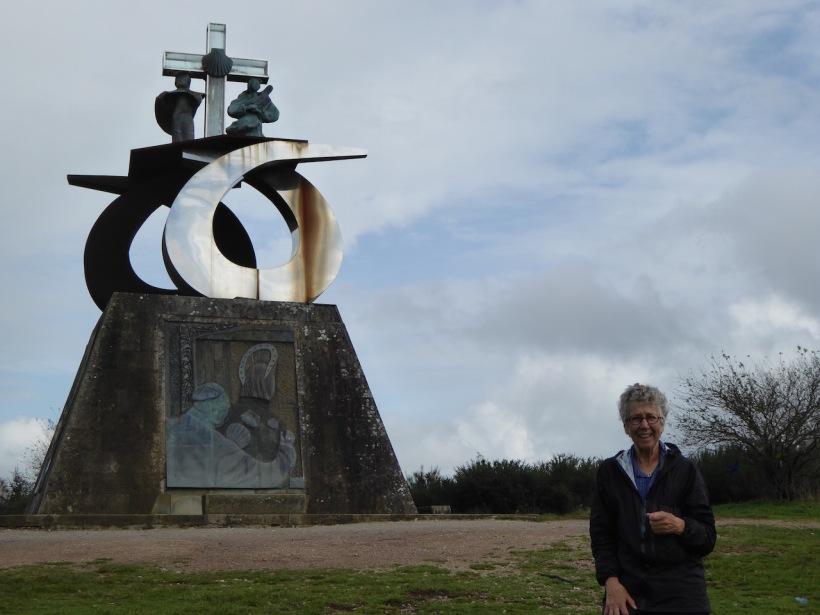 Sculpture in Monte del Gozo