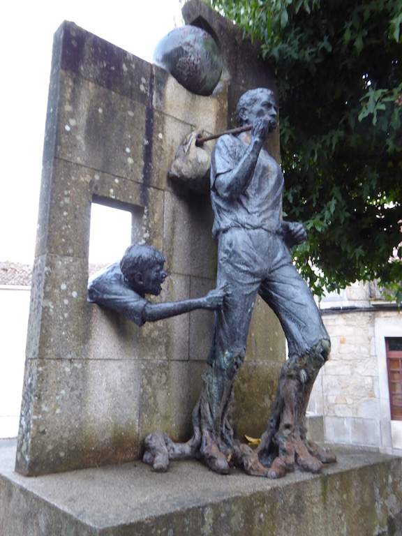 Sculpture in Negrira