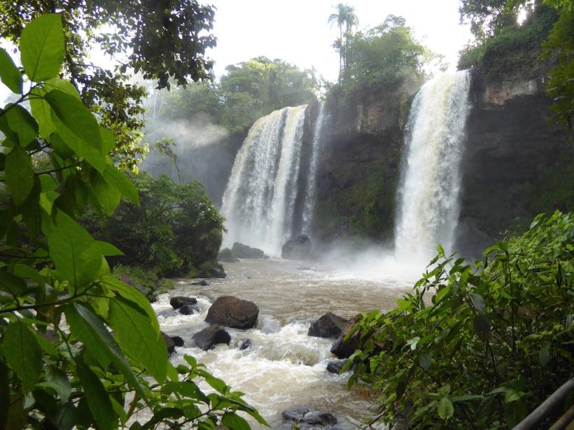 Iguazú Falls are so beautiful.