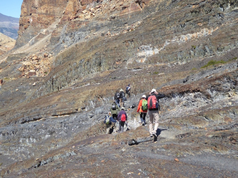 The group is hiking down from Upsala Glacier.