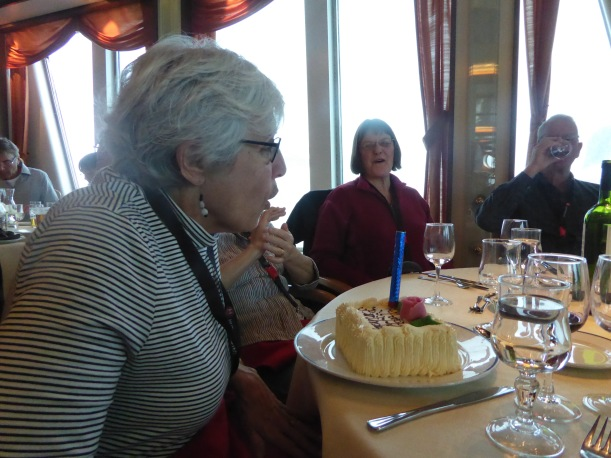 Joni blew out the candle.