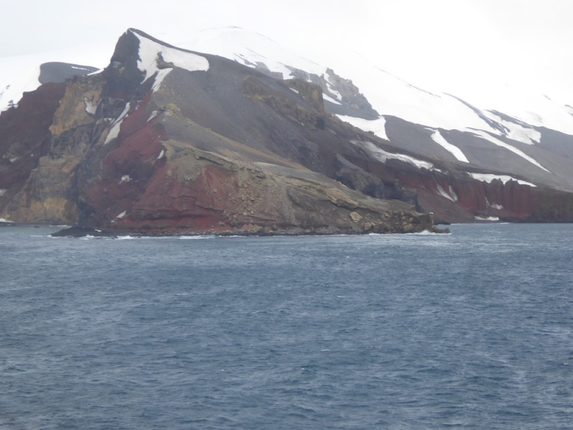 Rocks on side of Neptunes Bellows