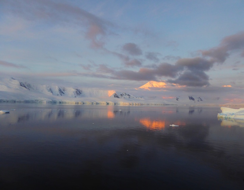 The sunset in Antarctica was fabulous.