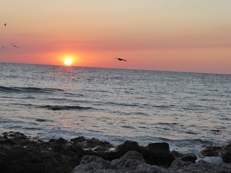 sunset-near-lighthouse
