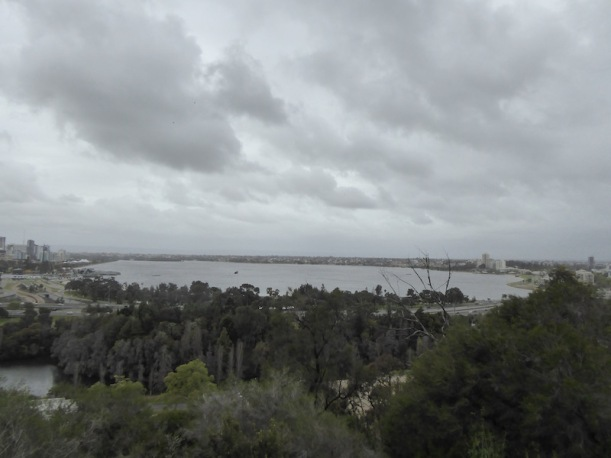 grey-day-on-swan-river
