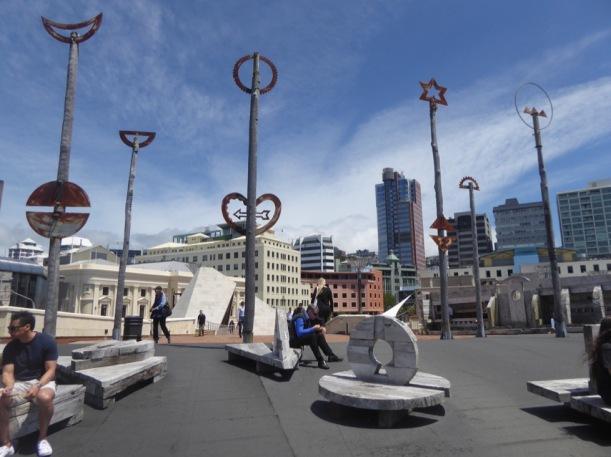 2-para-sculptures