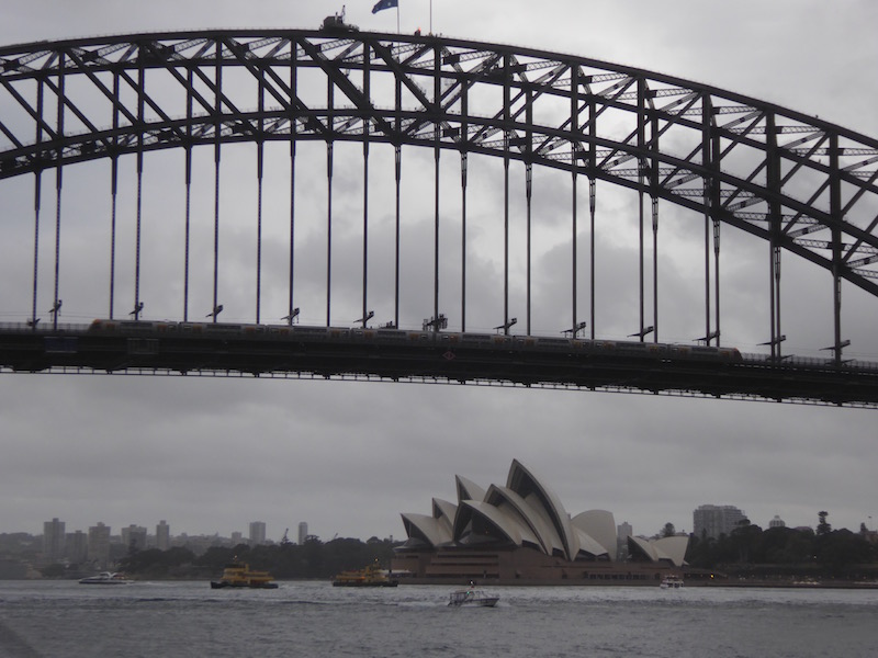 21-opera-house-and-sydney-bridge