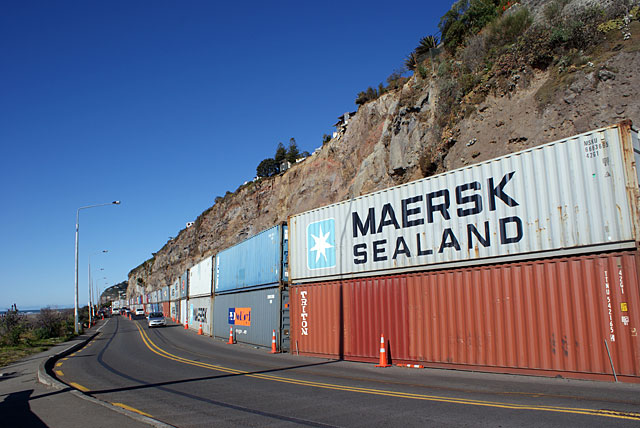 26-sumner-shipping-containers