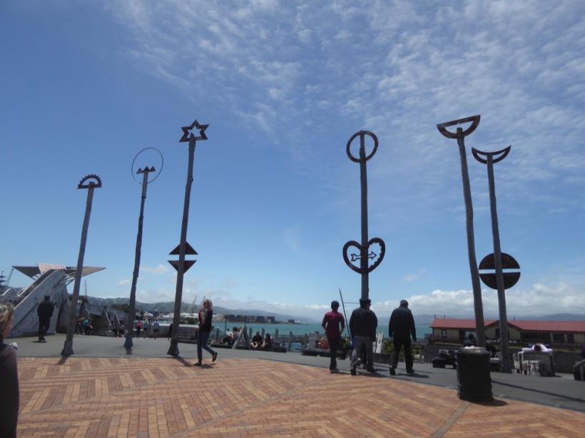 3-para-sculptures