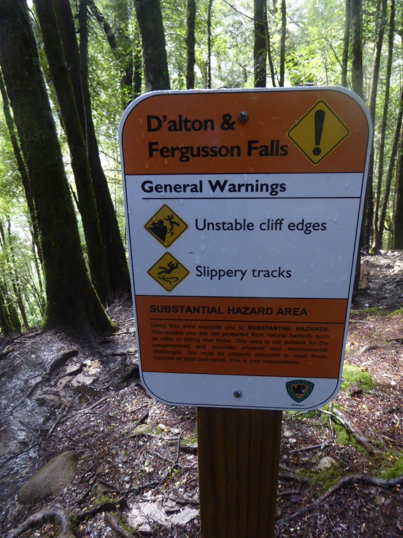 87-dalton-and-fergusson-falls-warning-sign