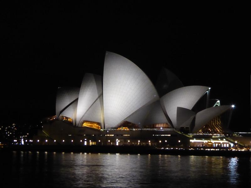 opera-house-at-night