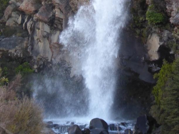 18-taranaki-falls