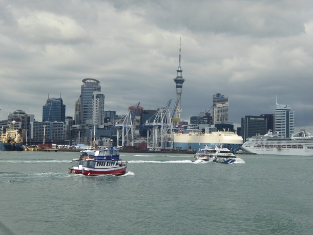 3-auckland-view-from-ferry